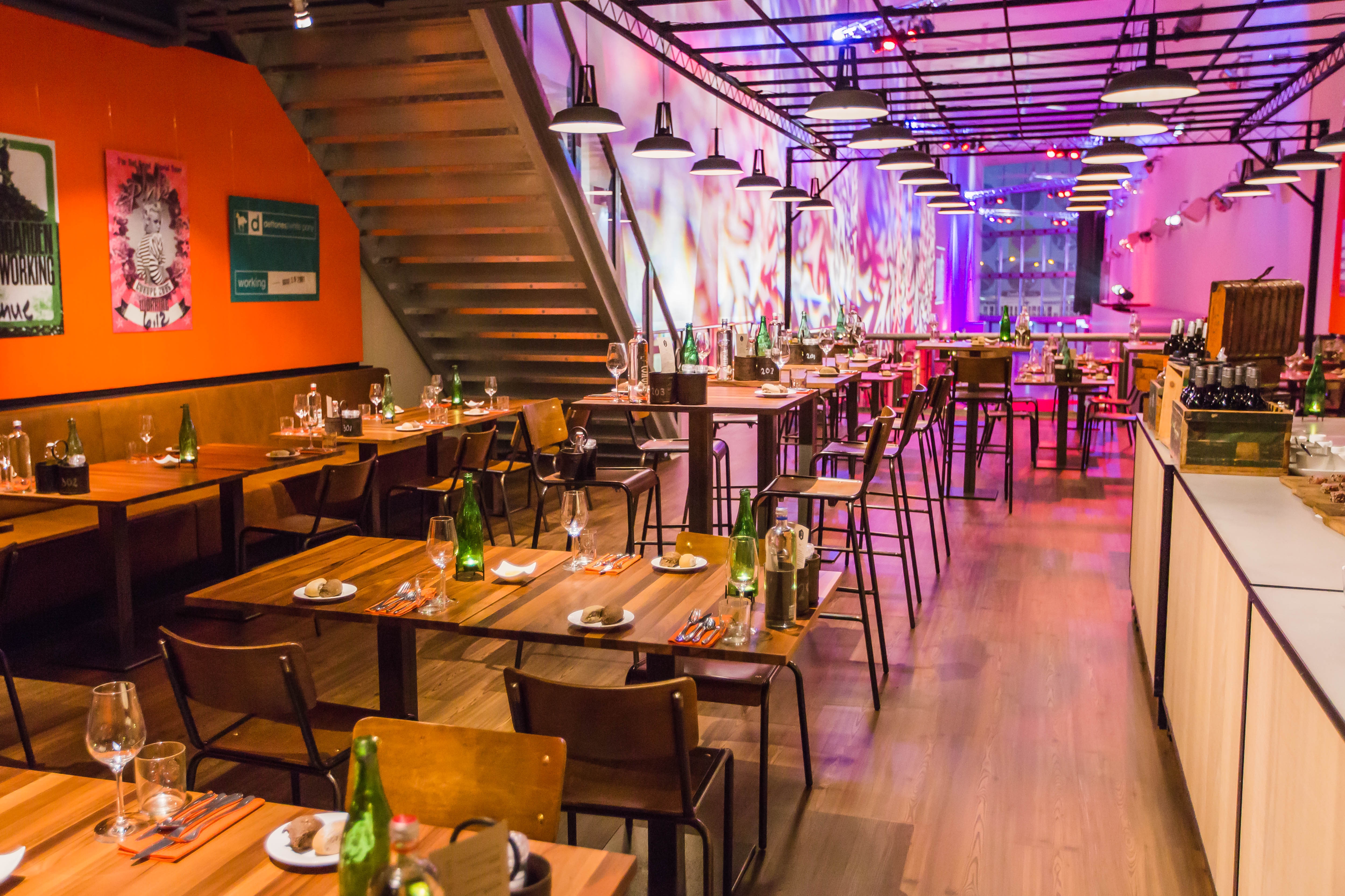 Opening Restaurant First || AFAS Live