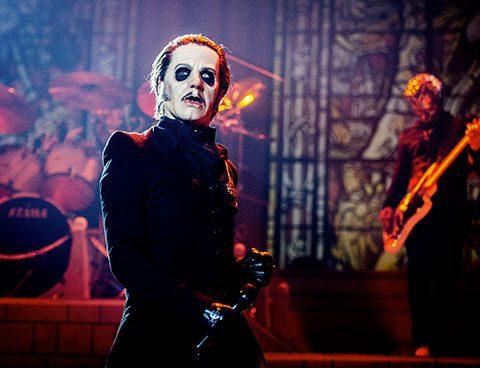 Ghost betovert AFAS Live met een knallende show