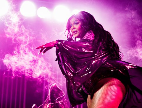 Lizzo: de strenge groepstherapeut blijkt in Afas Live 'the whole damn meal'